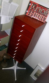 Nelson miniature chest