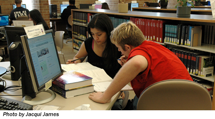 Couple at computer-2