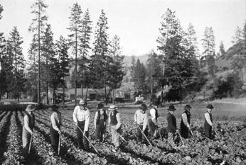 Fort Spokane boys hoeing, Washington