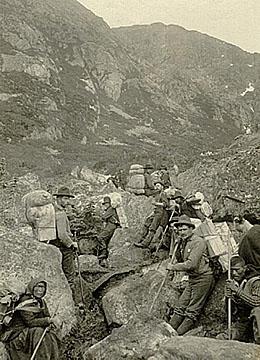 Packers near Chilkoot summit