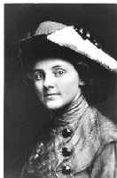 Photo of Anna Louise Strong in 1913.Manuscripts, Special Collections, University Archives, UW Libraries, negative #340